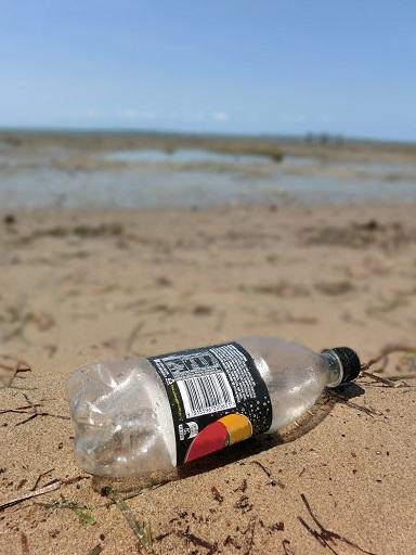 bottle-on-beach-no-name